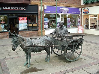 The College of Richard Collyer - Sculpture of William Pirie, Piries Place, Horsham