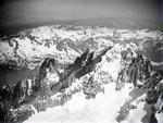 ETH-BIB-Aiguille Verte, Aiguille du Dru v. S. aus 4800 m-Inlandflüge-LBS MH01-006464.tif
