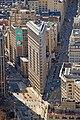 Edificio Fuller (Flatiron) en 2010 desde el Empire State.jpg