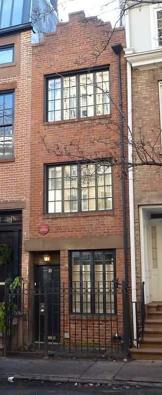 Edna St. Vincent Millay - Edna St. Vincent Millay's home in 1923–24 at 75½ Bedford Street, Greenwich Village (2013 photo)