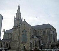 Eglise de Plouhinec.jpg