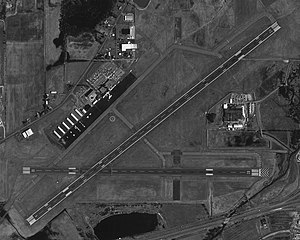 Elmira Corning Regional Airport - USGS 22 April 1994.jpg