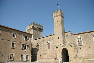 Salon-de-Provence - Château de l'Empéri courtyard