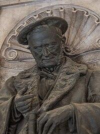 Ernst Wilhelm von Brücke (1819-1892), physician, Nr. 125, torso (bronze) in the Arkadenhof of the University of Vienna-3564.jpg