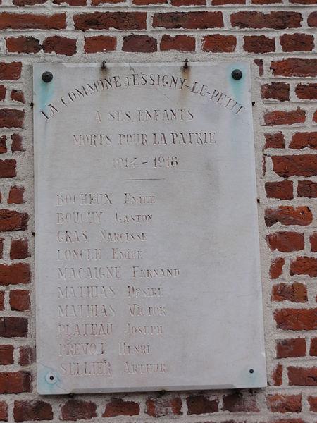 Essigny-le-Petit (Aisne) plaque morts 1914-18 sur la mairie