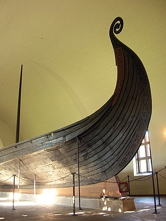Prow of the Oseberg ship, at Oslo Museum Exhibition in Viking Ship Museum, Oslo 01.jpg