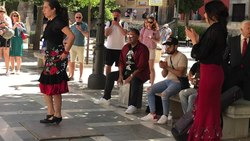 Tiedosto:Flamenco in Granada - New generations.webm