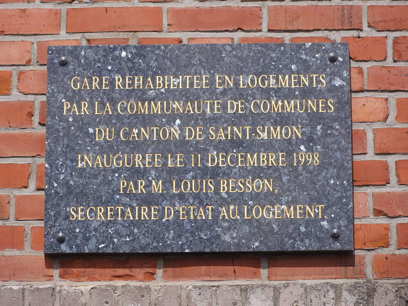 Flavy-le-Martel (Aisne) la gare réhabilitée, plaque