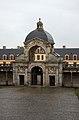 Fontainebleau - porte du baptistère.jpg
