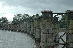 Alloa Swing Bridge - Piers of the bridge in 2006