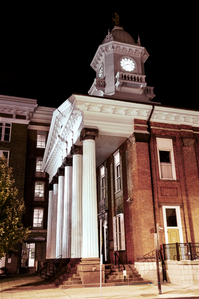 File:Franklin County Courthouse at Night.png