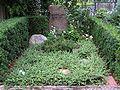 Friedhof Schmargendorf - Grab Georg Lange.jpg