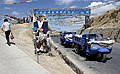 Friendship Highway-406-Sakya to Shigatse-Passhoehe-Dreiraeder-2014-gje.jpg