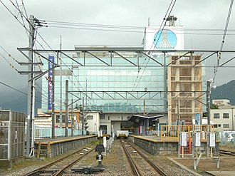 Fujisan Station - View of the platforms, with platform 1 on the left, October 2010
