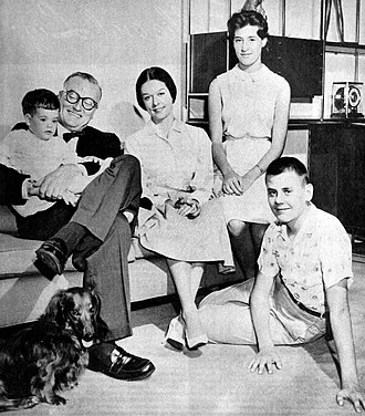 Dave Garroway - The Garroways at home in 1960. From left: Garroway with David, Jr., wife Pamela, daughter Paris and son Michael seated on the floor