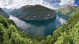 Geirangerfjord from Ørnesvingen, 2013 June.jpg