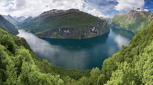 Geirangerfjord as seen from Ørnesvingen