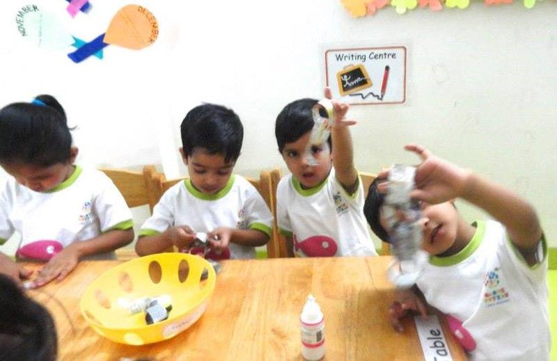 File:Globe Toters-A Birla Preschool,Indore.jpg