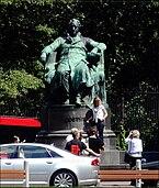 Goethedenkmal,_Burggarten,_1010_Wien.jpg