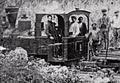 Goiko irudian Weidknecht makako lokomotora baten argazkia, beheko aldean Artikutzako lokomotoraren argazkia (02).png