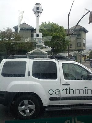 Earthmine - An Earthmine SUV on San Pablo Avenue, in Berkeley, California.
