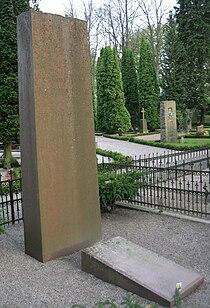 Grave of swedish professor Fredrik Areschoug.jpg