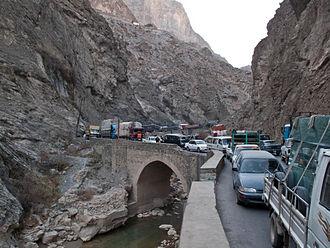 Kabul–Jalalabad Road - Stopped traffic on the Jalalabad–Kabul Road.