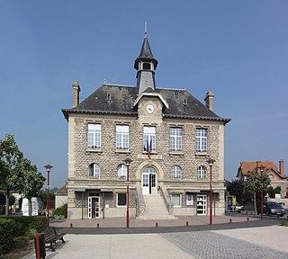 Villeneuve-sur-Aisne Commune in Hauts-de-France, France
