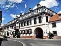 Guntersblum- Schlossgut Schmitt (Neues Schloss) von Alsheimer Straße aus 13.7.2009.jpg