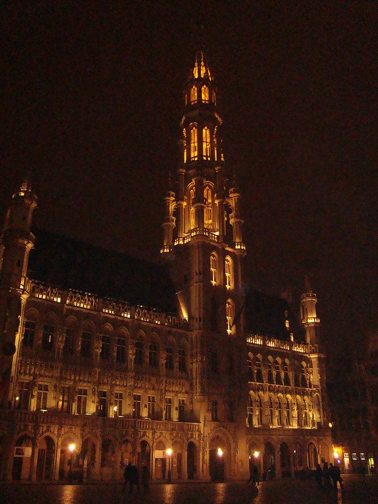 File h tel de ville de bruxelles 1 jpg wikimedia commons for Bruxelles piscine