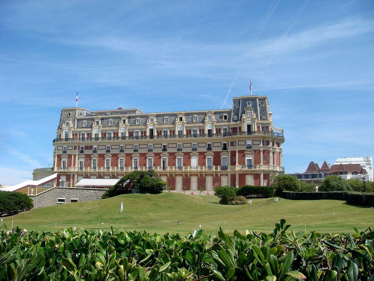 Biarritz wikipedia for Prix chambre hotel du palais biarritz