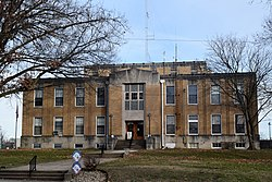 Hamilton County Courthouse IL 2019.jpg
