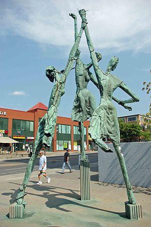 Plaza Côte-des-Neiges - Hans Schleeh's 'Trialogue' near the front entrance of Plaza Côte des Neiges