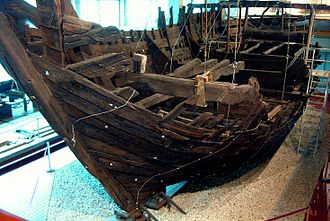 Cog (ship) - Reconstructed excavated cog from 1380 at Deutsches Schiffahrtsmuseum