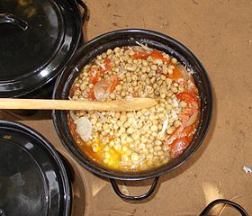 Hanza stew with tomatoes and onions. Location: Zinder, Republic of Niger