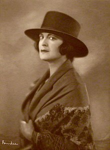 Harriet Cohen, 1920. Photographer: Alexander Binder