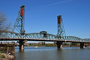 Hawthorne Bridge - Image: Hawthorne Bridge (Portland, Oregon) from southwest, 2012