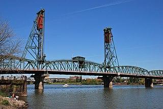 Hawthorne Bridge bridge in Portland, Oregon, USA