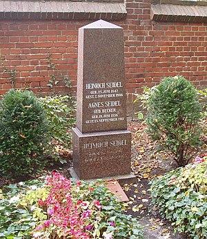 Heinrich Seidel - Heinrich Seidel's tomb cemetery Berlin-Lichterfelde (2006)