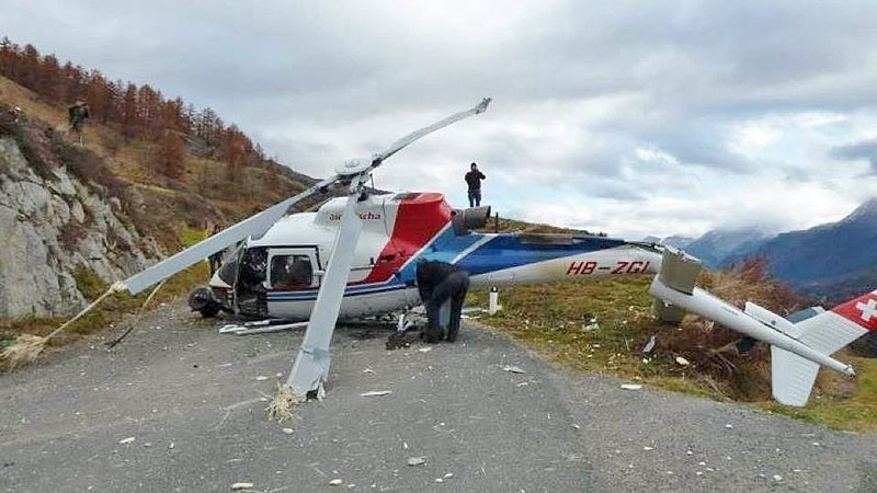 File:Helicopter crash 2011 zuoz.jpg Description English: Eurocopter AS 350B3 Ecureuil (HB-ZGI) of Air Grischa Helikopter AG crash on 7 november 2011 1km NE of Ardez during a movie shooting from very low altitude (according to local press: 3 to 4 meters above ground). https://aviation-safety.net/wikibase/139727
