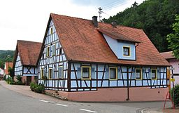 Fachwerkhaus an der Hauptstraße in Hirschthal (Pfalz)