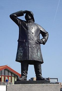 Hoekvanholland monument de redder.jpg