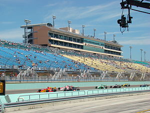 Indy Lights - Green flag for the 2008 Miami 100 at the Homestead-Miami Speedway.