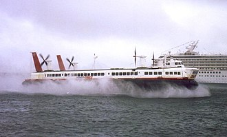 SR.N4 - Princess Margaret at the mouth of the Western Docks in Dover, 1998