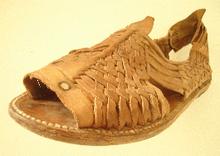 18fd473bbf6b7 Huarache (shoe) - Wikipedia