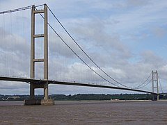 Humber Bridge - geograph.org.uk - 1516611.jpg