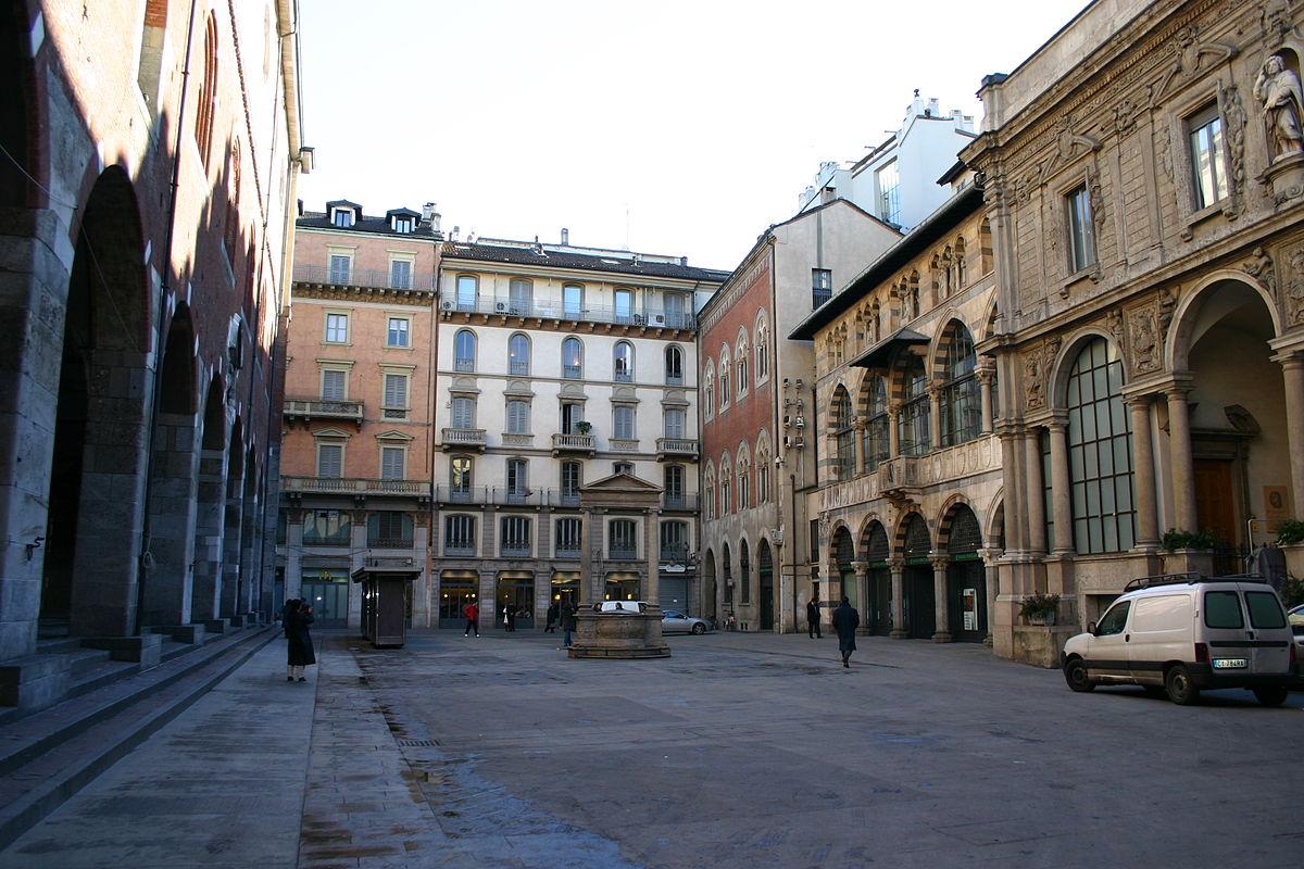 Piazza Mercanti  Milan   U2014 Wikip U00e9dia