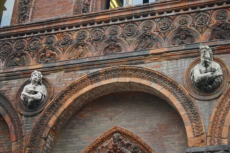Risultati immagini per facciate di palazzi in terracotta