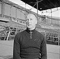 Jaap van der Leck (bondscoach van het Nederlands elftal 1949-1954) in het Olympi, Bestanddeelnr 191-1061.jpg