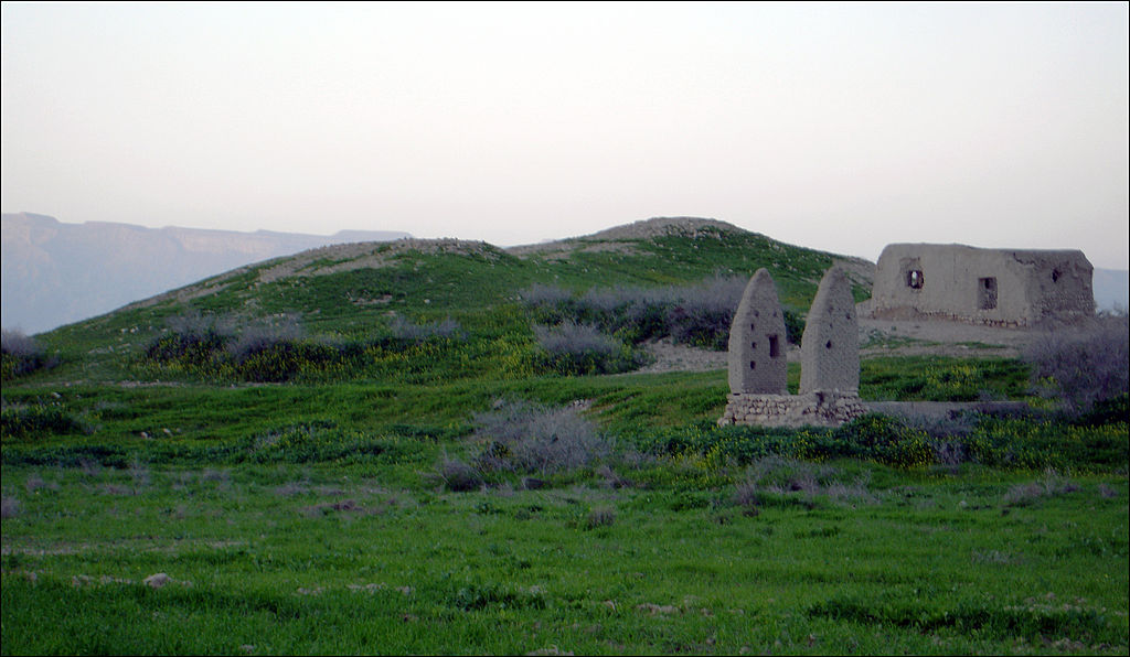 تل باستانی جت، شمالغرب شهر علامرودشت